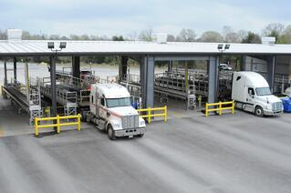 Discover three safety risks for flatbed truck operators.