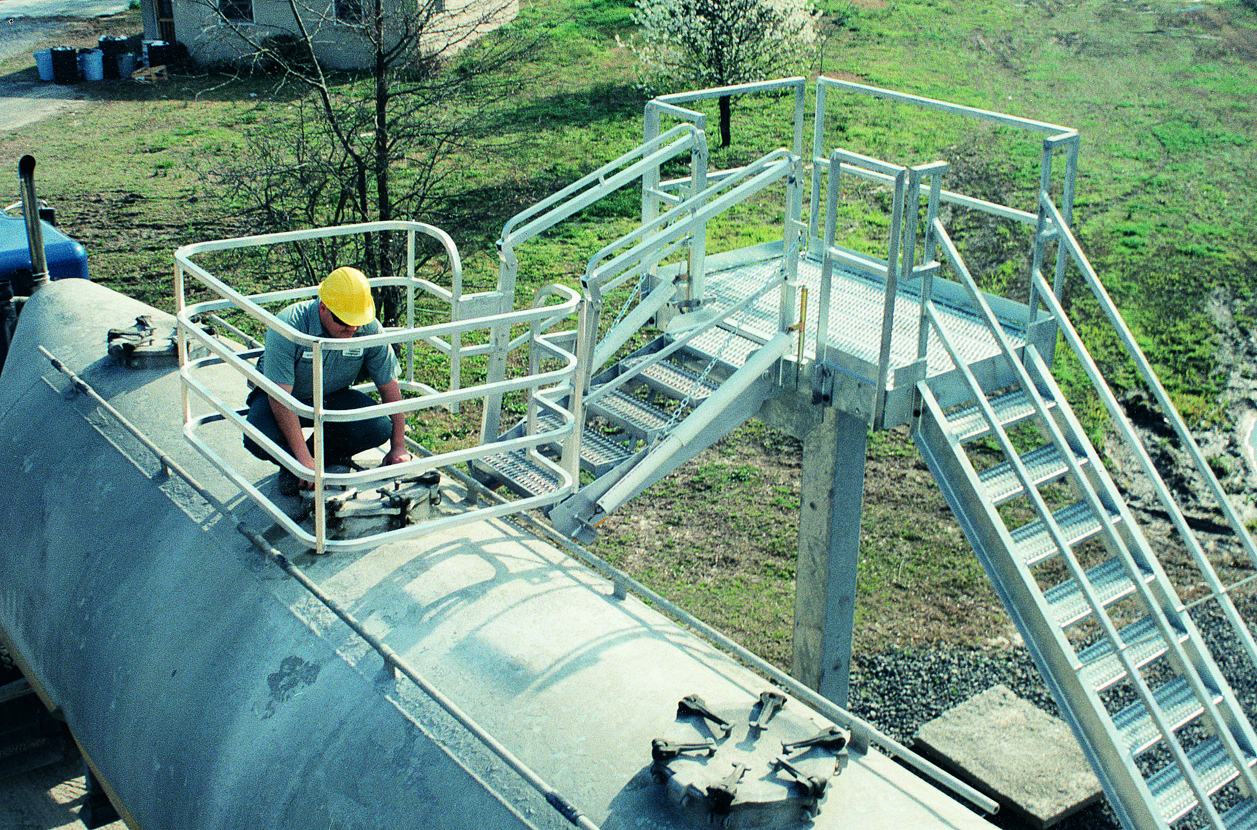 3 Safety Benefits Of Truck Loading Racks For Chemical Companies